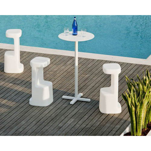 Serif barstools for the pool side