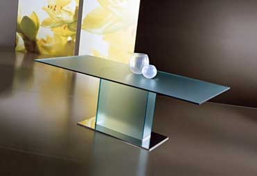 Nilo dining table